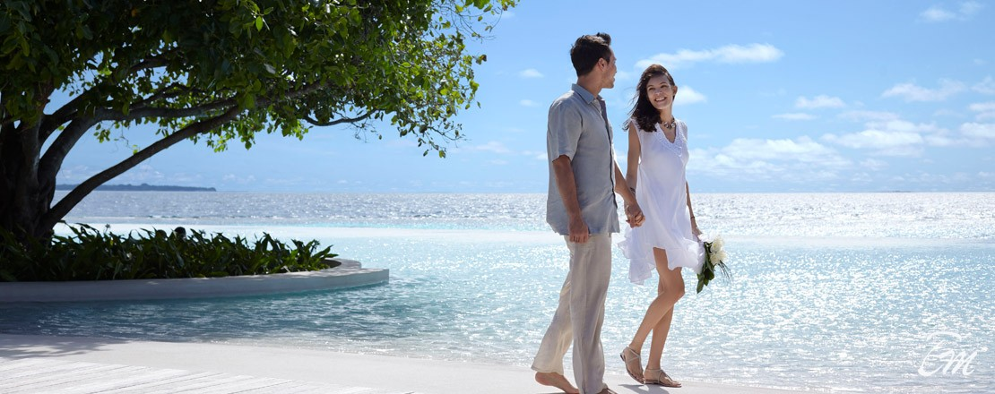 Dusit Thani Maldives Couple