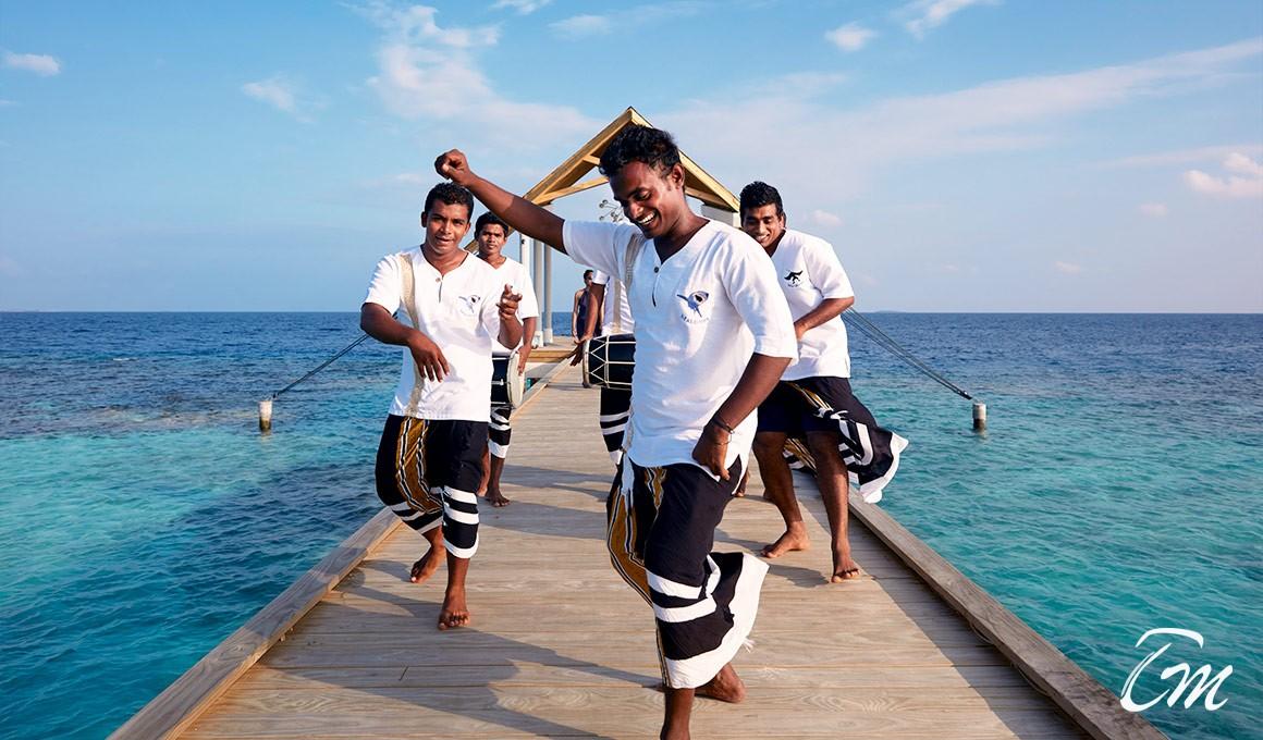 Amari-Havodda-Maldives-Arrival-Jetty-with-Boduberu-team