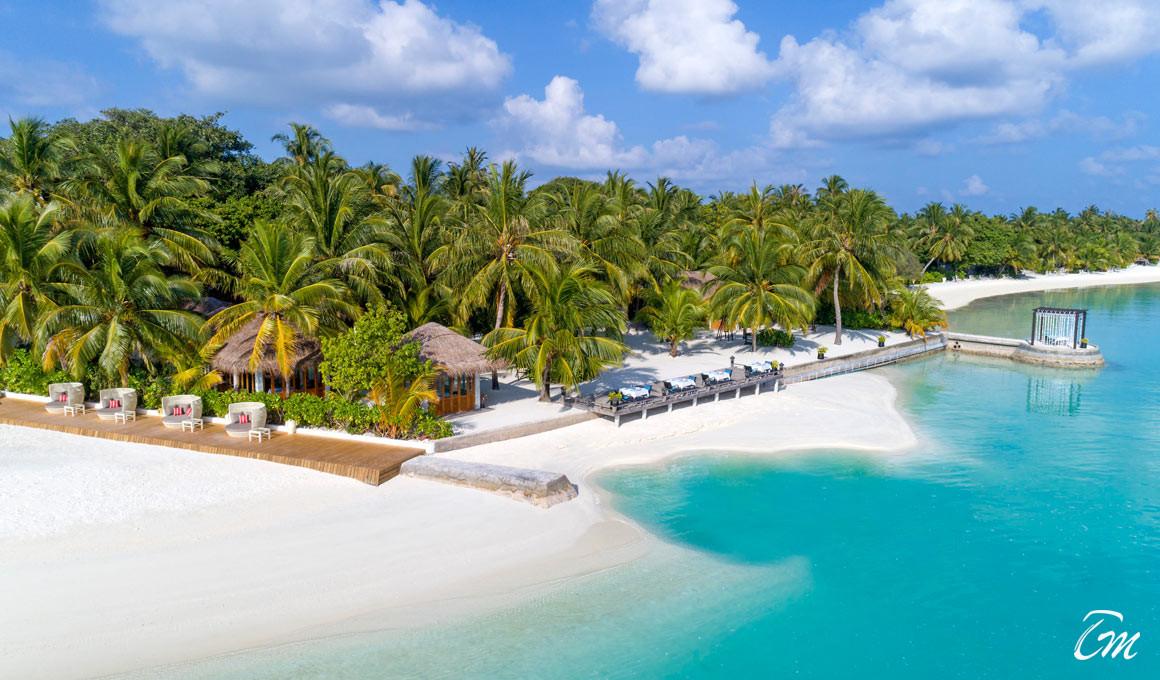 Sheraton Maldives Full Moon Resort and Spa Beach