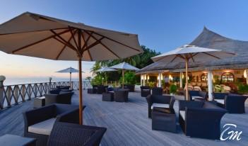 Angaga Island Resort and Spa Beach Bar