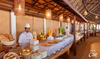 Angaga Island Resort and Spa Dolphin Restaurant