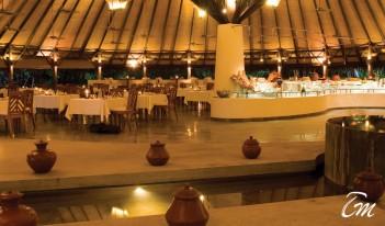 Coco Palm Dhuni Kolhu Maldives - Cowrie Restaurant