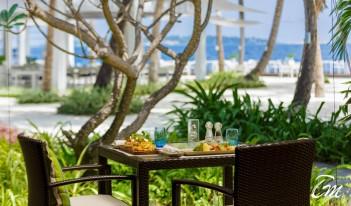 Kurumba Maldives - Café