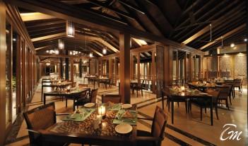 Farumathi Restaurant - Paradise Island Resort Maldives