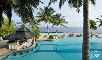 Royal Island Resort and Spa Maldives - Pool Bar