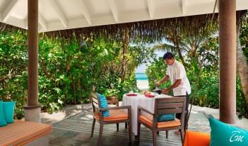 Anantara Dhigu Maldives Resort - In-Villa Dining