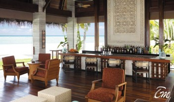 Shangri-La's Villingili Resort and Spa - Manzaru Bar Interior