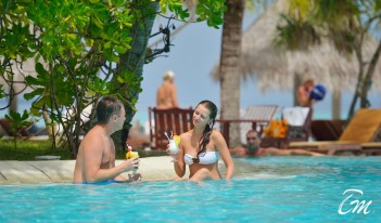 Sun Island Resort and Spa Maldives Pool Bar