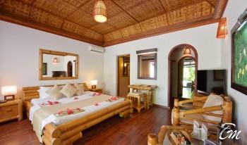 Angaga Island Resort and Spa  Superior Beach Bungalow Interior