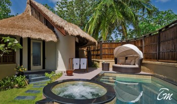 Banyan Tree Vabbinfaru Beach front pool villa