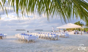 Holiday Inn Kandooma Maldives Beach Dining