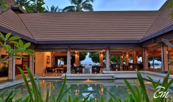 Kurumba Maldives Resort Lobby