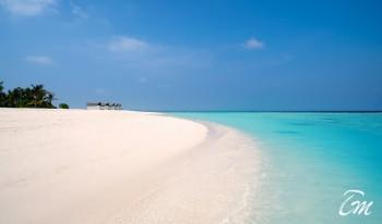 Movenpick Resort Kuredhivaru Maldives Beach