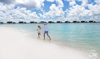 Couple at Park Hyatt Maldives Hadahaa