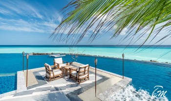 SAii Lagoon Maldives, Curio Collection by Hilton Pool Side Dining