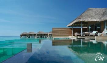 Luxury Overwater Pool Retreat - Vakkaru Maldives