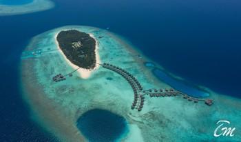 Island arial view - Vakkaru Maldives