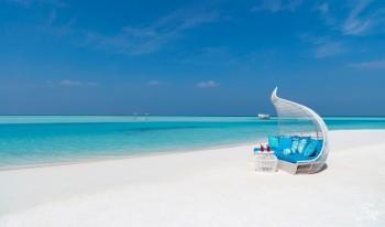 Anantara Dhigu Maldives Resort Beach Lounge
