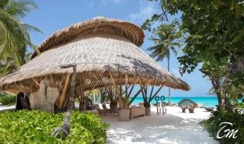 Onu Onu Bar Exterior - Fairmont Maldives - Sirru Fen Fushi