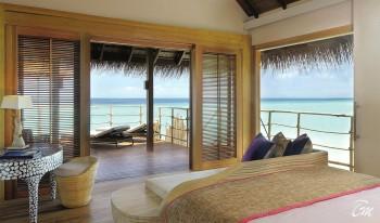 Constance-Moofushi-Maldives-Senior-Water-Villa-Interior