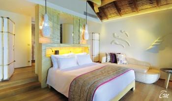Constance-Moofushi-Maldives-Water-Villa-Interior