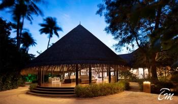 outrigger-konotta-maldives-resort-lobby