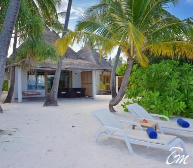 Angaga Island Resort Superior Beach Bungalow Exterior
