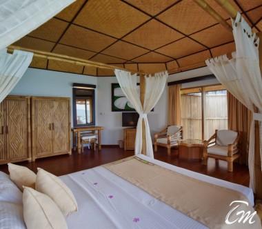 Angaga Island Resort Superior Water Bungalow  Interior