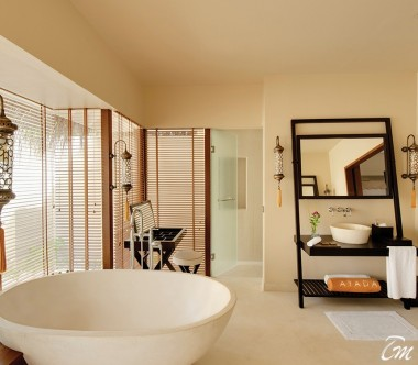 Ayada Maldives Sunset Beach Suite With Pool Bathroom