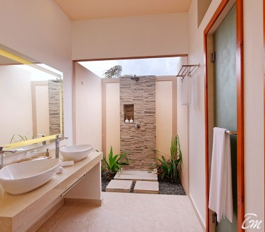 Brennia Kottefaru Maldives Beach Pool Villa Bathroom