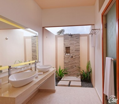 Brennia Kottefaru Maldives Beach Villa Bathroom