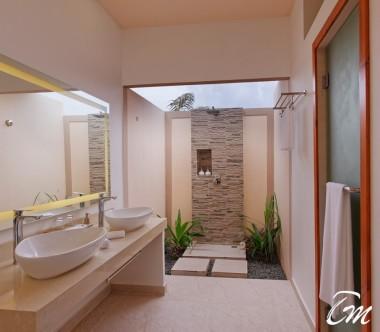 Brennia Kottefaru Maldives Family Garden Villa Bathroom