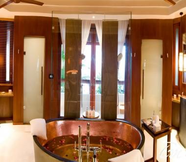Constance Halaveli Maldives Presidential Villa Bathroom