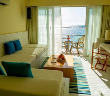 Holiday Inn Resort Kandooma Maldives Overwater Villa Living Area