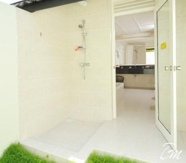 Holiday Island Resort And Spa Maldives Superior Beach Bungalows Bathroom