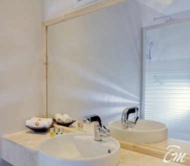 Kaani Beach Hotel Maafushi Deluxe Double Room Sea View With Balcony Bathroom
