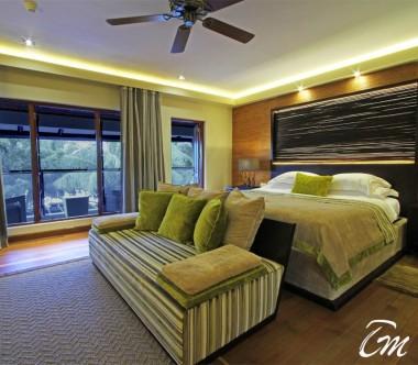 Kurumba Maldives Presidential Pool Villa Bedroom