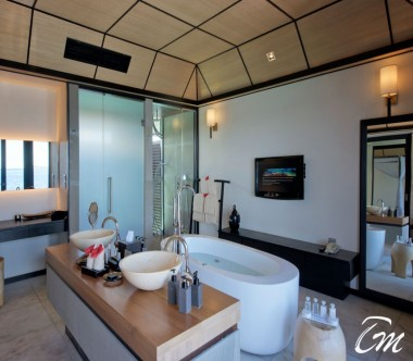 Lily Beach Resort and Spa at Huvahendhoo Maldives - Deluxe Water Villa Bathroom