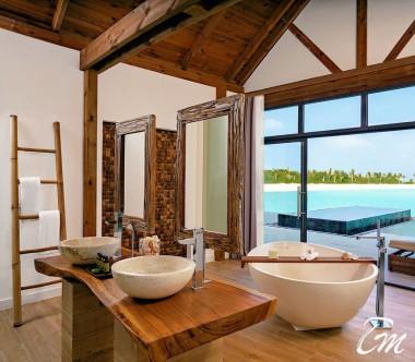 Mövenpick Resort Kuredhivaru Maldives Overwater Pool Villa Lagoon Bathroom