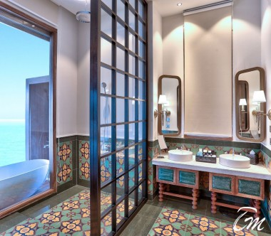 SAii Lagoon Maldives, Curio Collection by Hilton Overwater Villa Bathroom