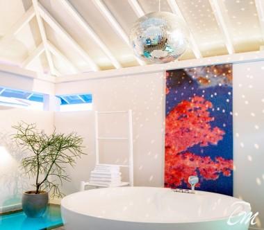 The Standard Huruvalhi Maldives 2 Bedroom Lagoon Over-water Villa bathroom