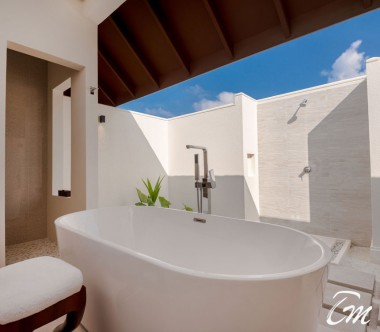 Varu by Atmosphere Maldives Majlis Suite Bathroom