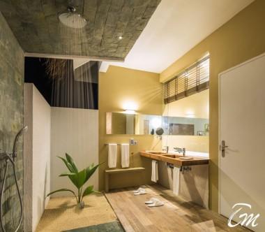 Cocoon Maldives Beach Suites with Pool Bathroom