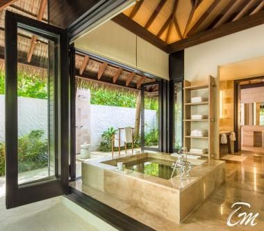 COMO Maalifushi Maldives Beach Suite Bathroom