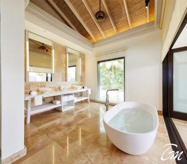 COMO Maalifushi Maldives Como Residence Bathroom