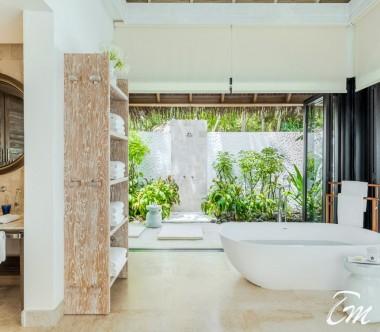 COMO Maalifushi Maldives Maalifushi Beach Villa  Bathroom
