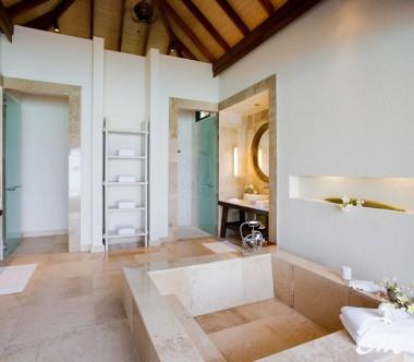 COMO Maalifushi Maldives Water Villa Bathroom
