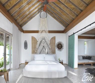 Fairmont Maldives - Sirru Fen Fushi Deluxe Beach Sunrise Villa Interior