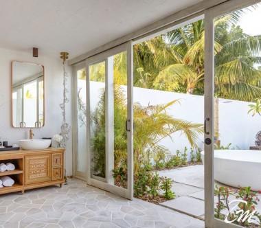 Fairmont Maldives - Sirru Fen Fushi Seven Bedroom Beach Sunset Villa Bathroom