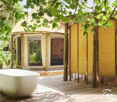 Fairmont Maldives - Sirru Fen Fushi Luxury Tented Villa Bathtub